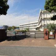 釜利谷小学校まで 徒歩2分(158m)